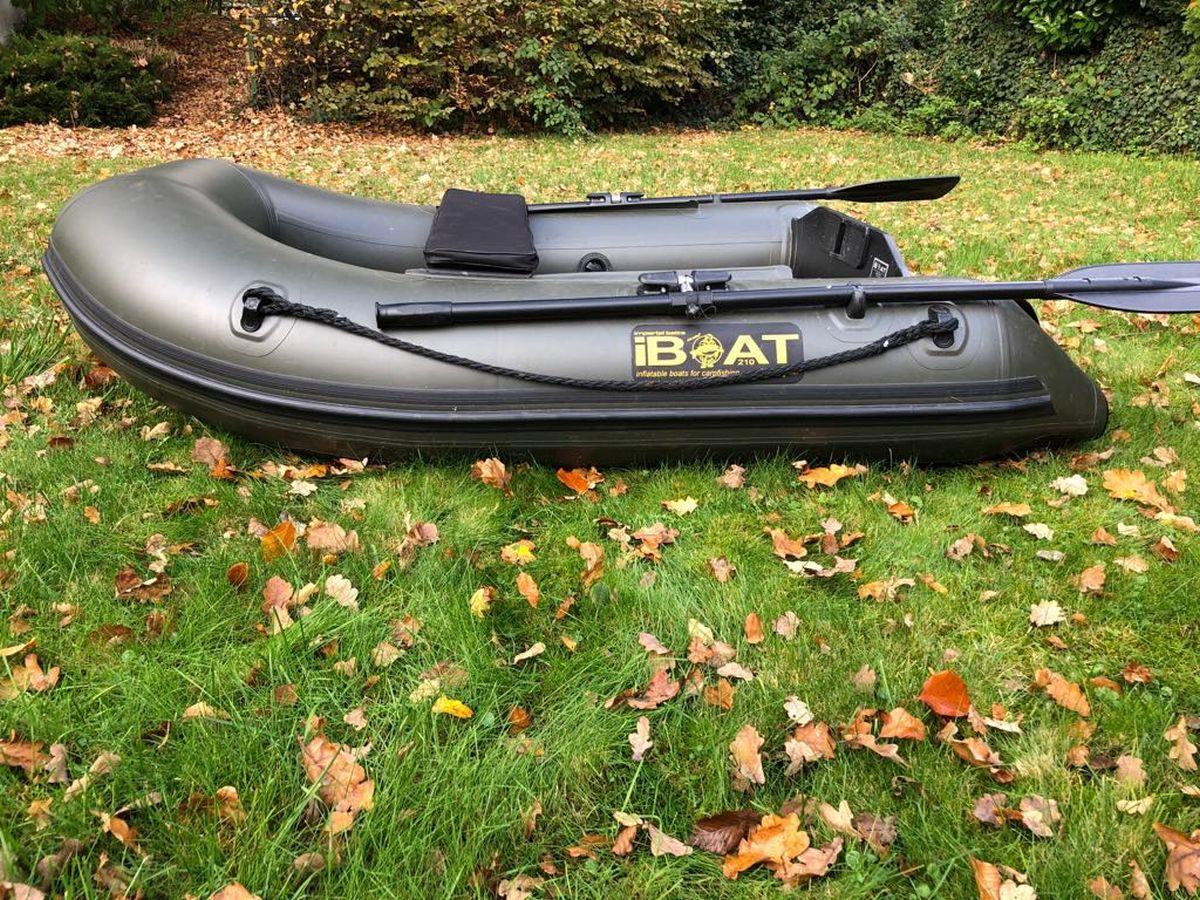 iBoat 210 mit Slatfloor seitlich